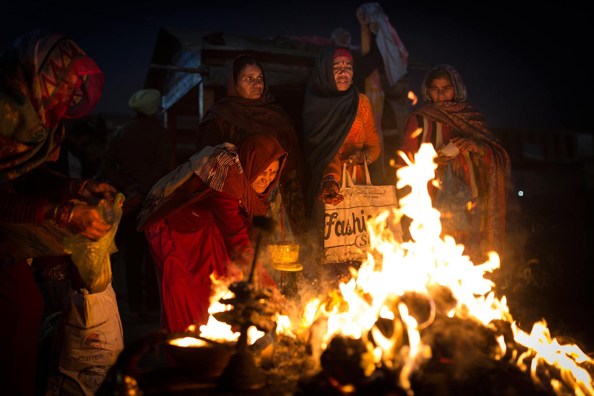 viaje-india-fuego